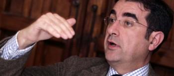 """José María Luna: """"Encara el gravat"""""""